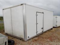 415cm hosszú, oldalajtós doboz felépítmény